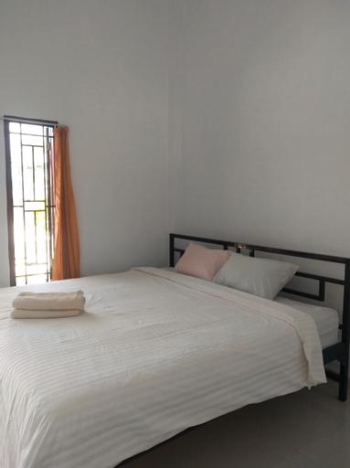 OYO 90618 Hanania House, Langsa