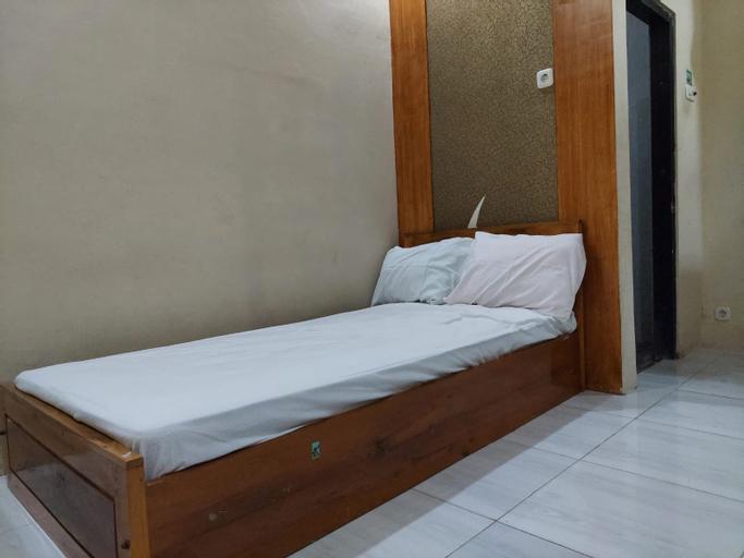 OYO 90631 Griya Ayu Syariah, Surabaya