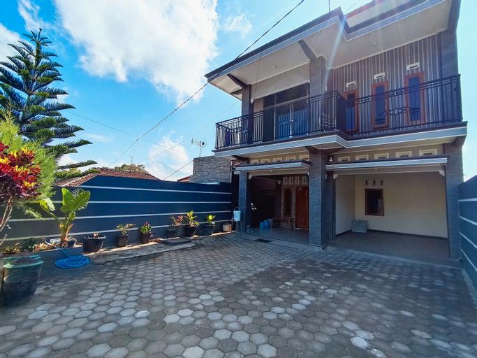 Villa Indika Kota Batu 7 Bed Room, Malang