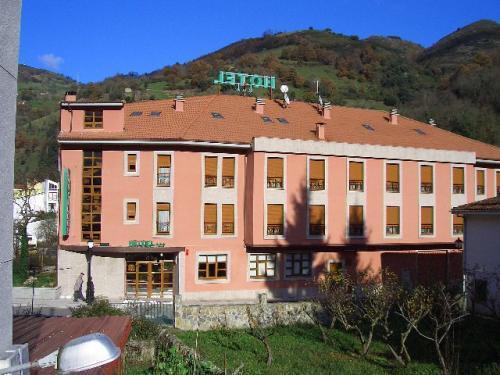 Hotel las Cruces, Asturias