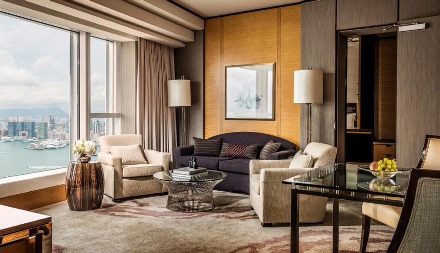 Four Seasons Hotel Hong Kong, Central and Western