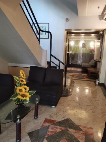 Jupiter Suites, Makati City