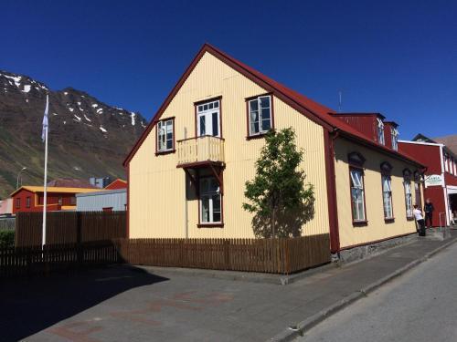 Guesthouse Isafjordur - Gamla, Ísafjarðarbær