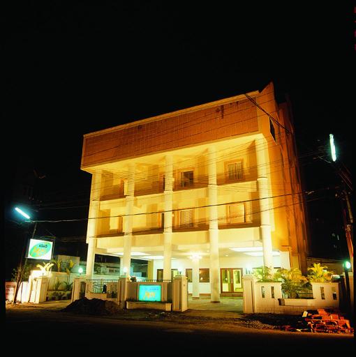 Hotel Abad Metro, Ernakulam