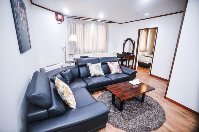 Noblesse Tourist Hotel, Dobong