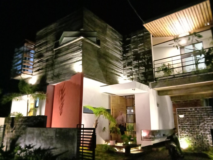 Happy House BnB dormitory, Probolinggo