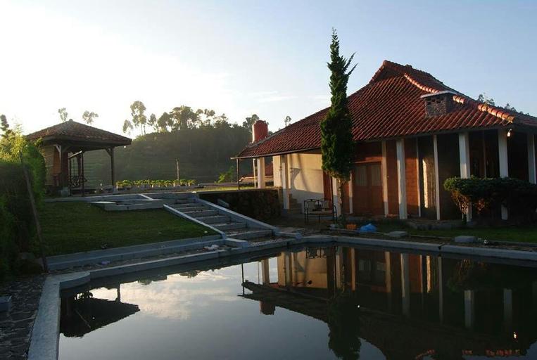 Villa Ciwidey - Rumah Kayu, Bandung