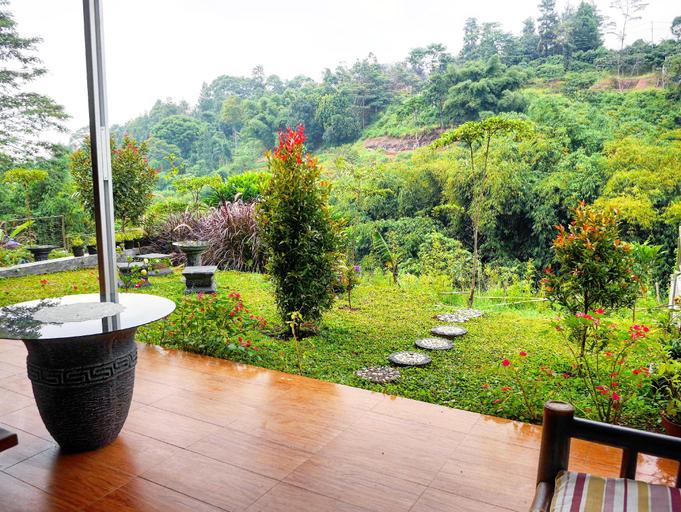 The Wiltshire One at Dago Pakar - Hillside villa, Bandung