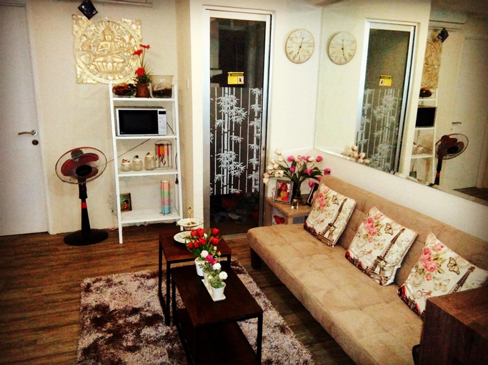 3 bedrooms with pool view above the mall, East Jakarta