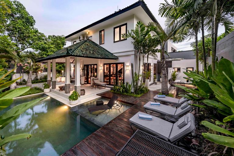 Unique Retro Seminyak Private Mansion - NEW, Badung