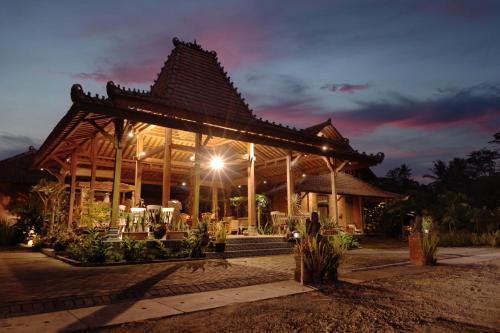 Bhumi Kasuryan Borobudur, Magelang