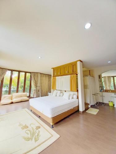 Villa Muslim Yuni Syahla Holiday Home, Bogor