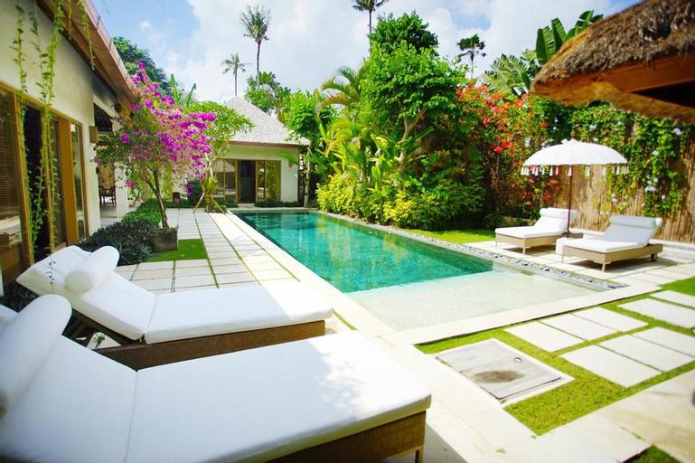 2 BR Private Pool + Brkfast @(83)Seminyak, Badung