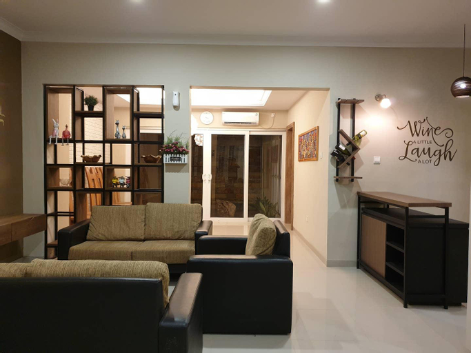 Danka@Taman Golf Residence 4 room, Batam