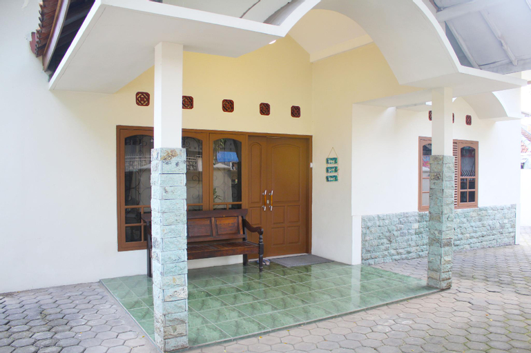 Classic Minimalist House near Java Supermall, Semarang