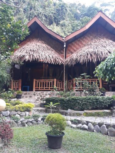 Junia Guesthouse Bukit Lawang, Langkat