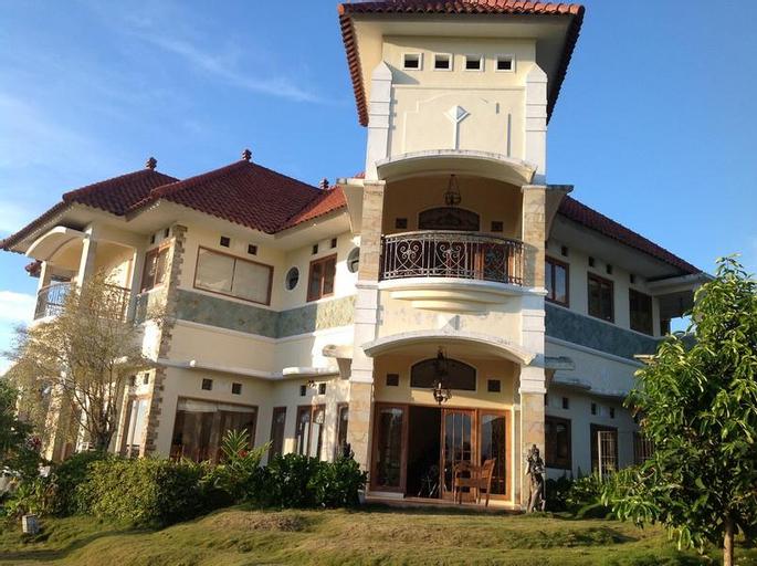 Villa Dahlia, Malang