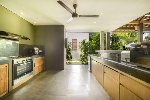 Luxury 6 Bedroom Villa with Private Pool, Bali Villa 2040, Badung