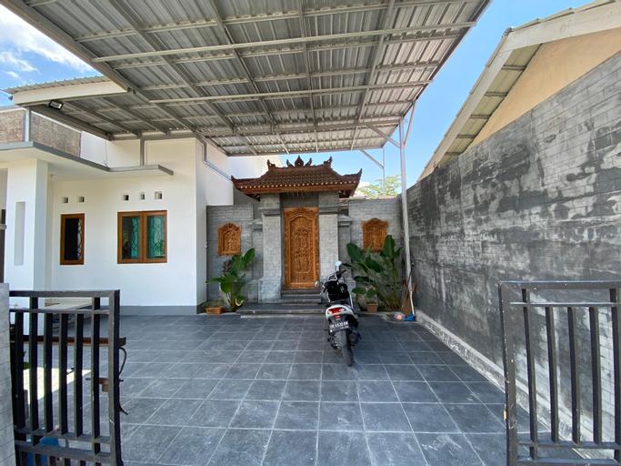 Bale Bagoes Sarjana, Lombok