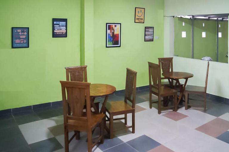 RedDoorz Syariah near Hermina Hospital Palembang 2, Palembang