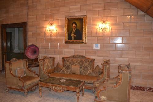 Om Kolthoom Hotel, Al-'Ajuzah