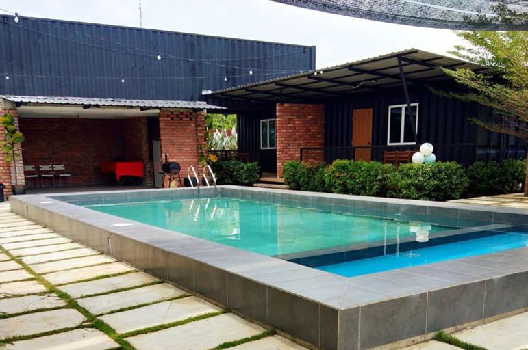 PETAK PADIN Cottage by The Pool, Seberang Perai Utara