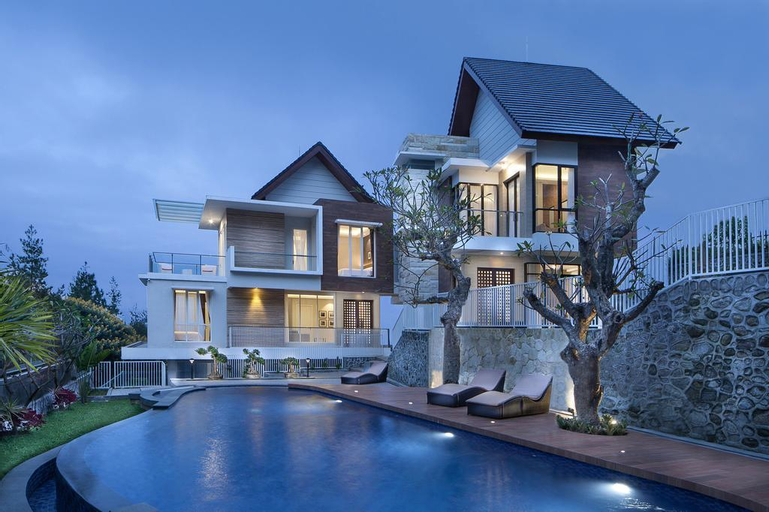 Azcarya Villa Type Adjar, Malang