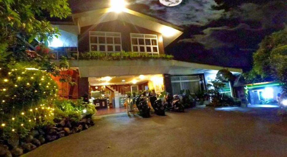 Deluxe Twin Room at Buena Vista Puncak , Bogor