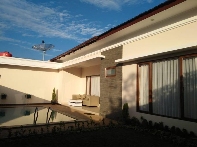 Villa Bop Cisarua, Bogor