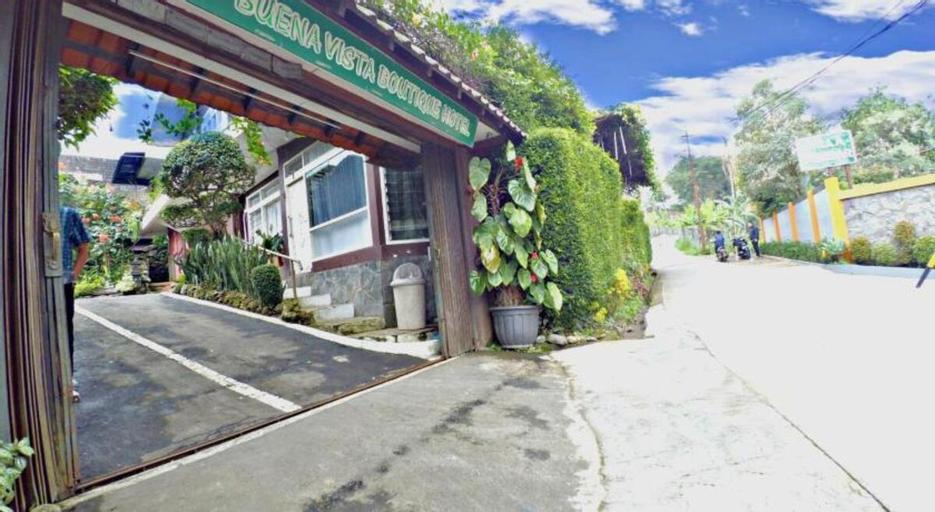 Double Room-Swimming Pool view@Buena Vista Puncak , Bogor