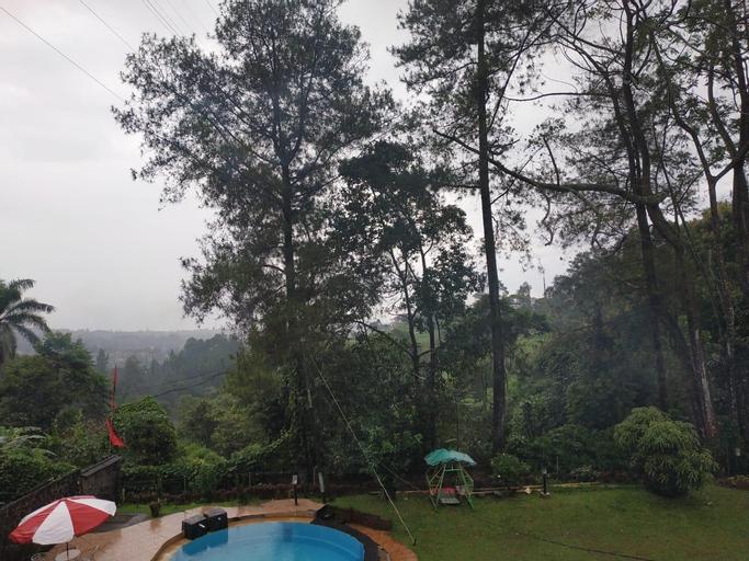 Villa Kebun the Cisarua, Bogor