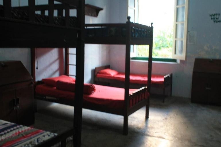 Comfy Bed 14mins drive to Sam Poo Kong Temple, Semarang