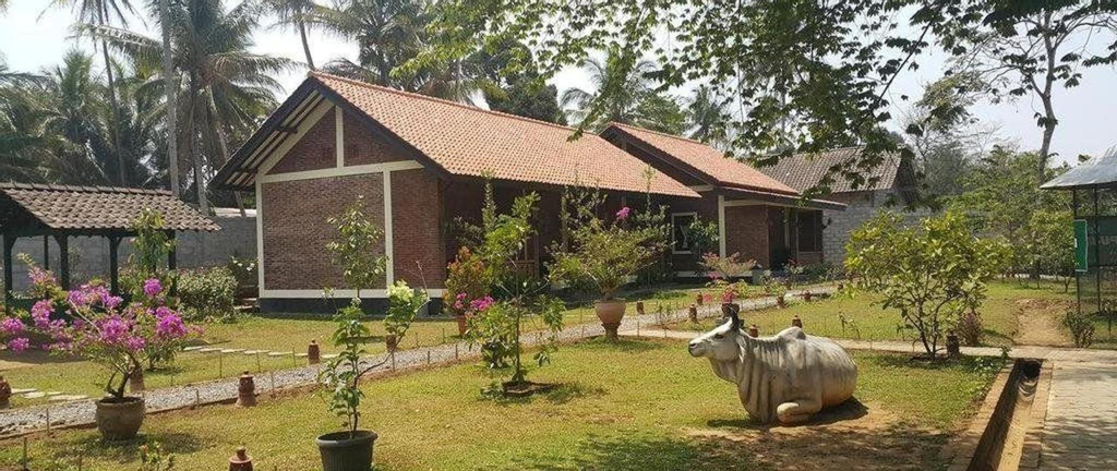 Superior Double Bed for 2 at Rumah Cartra 4, Magelang