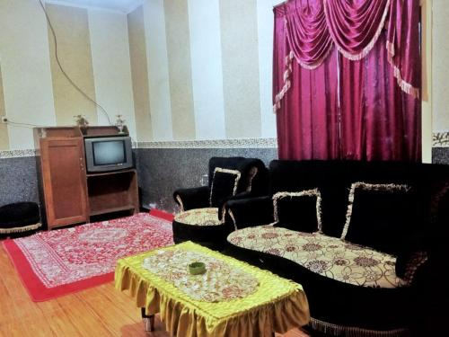 TIRTOSARI HOMESTAY, Lumajang