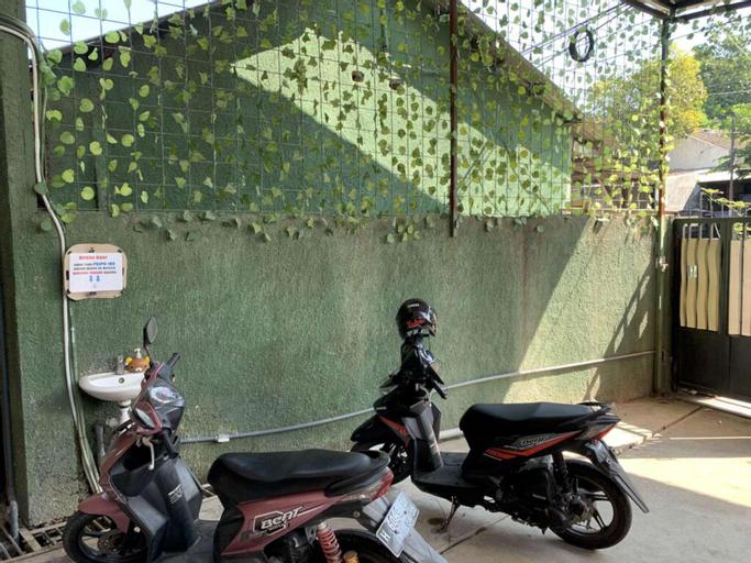 Standar double 01 at happy inn puspo, Semarang