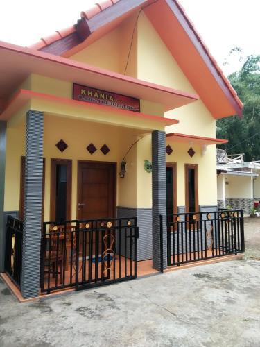 Homestay khania, Malang