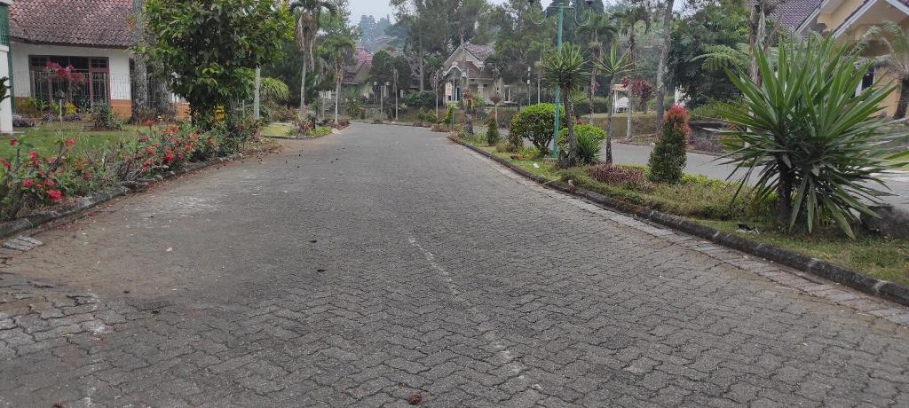 Shakilla House 5 -Villa Lotus Cipanas For family, Bogor