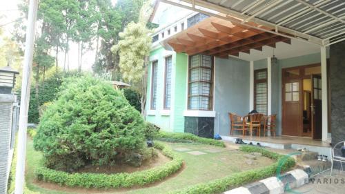 Evarios Villa Warm Season, Cianjur