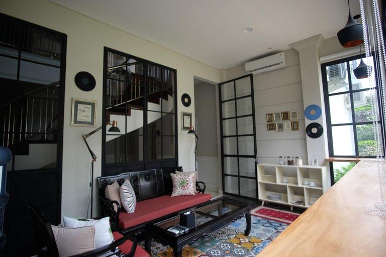 Rumah Kertajaya - The Main House, Surabaya