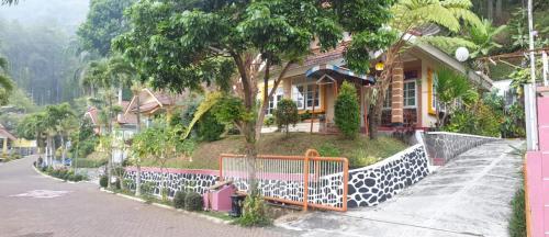 Villa KaWeBe by Dadistay, Malang