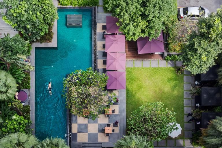 12th Avenue Hotel Bangkok, Wattana