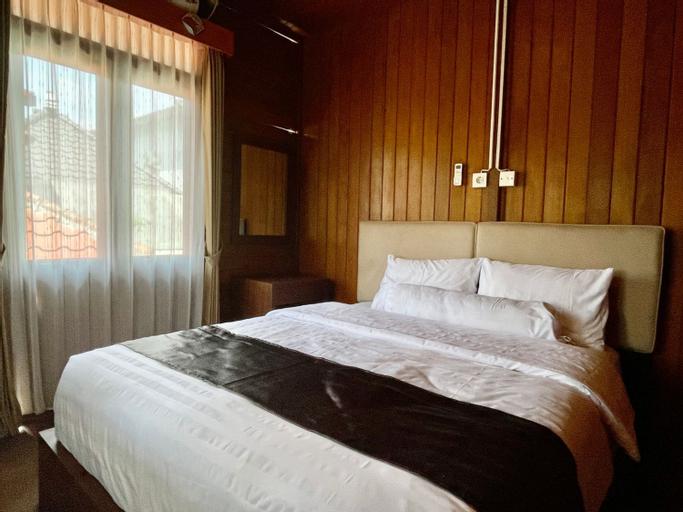 Tomohon Private Pool Villa by Picnic, Malang