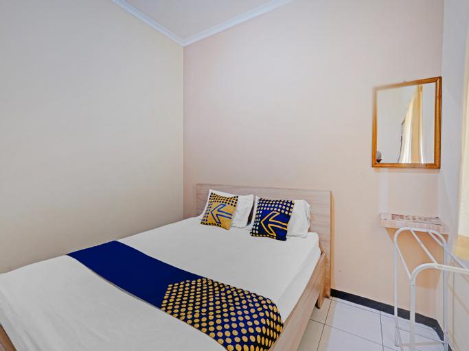 SPOT ON 90622 Hotel Galaksi, Ponorogo