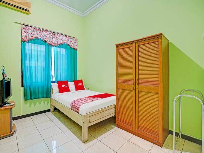 OYO 90611 Griya Kutisari V Residence, Surabaya