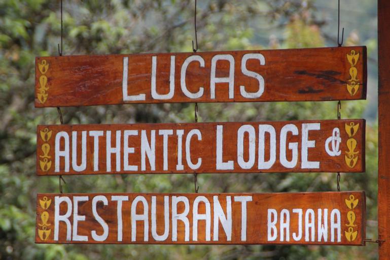 Lucas Lodge, Ngada