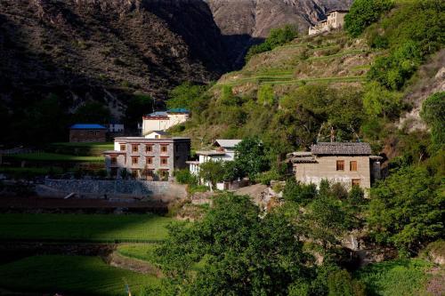 Songtsam Benzilan, Dêqên Tibetan