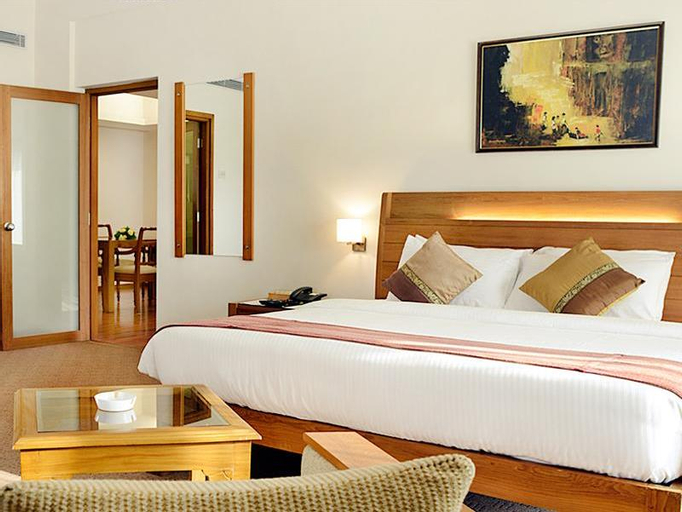 The Avenue Regent Hotel, Ernakulam