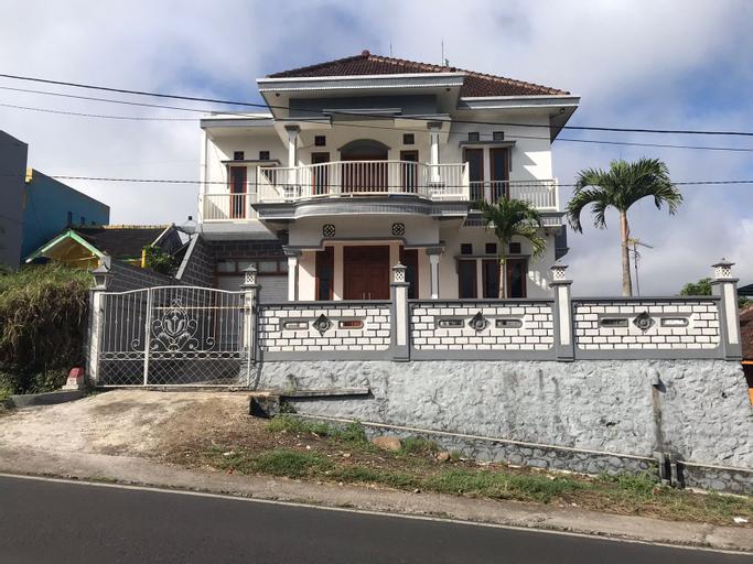 Villa Pujon Indah, Malang