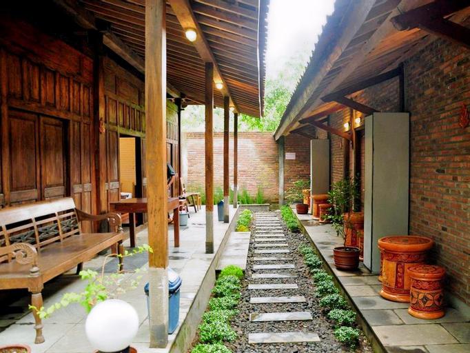 Cempaka Guest House Borobudur, Magelang