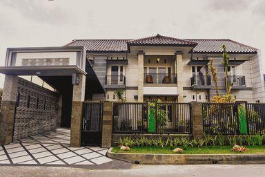 OYO Life 2399 Gerbera House - Kos Putri, malang